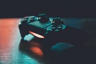 Compreendendo a GameFi: uma introdução ao universo P2E e aos jogos de OVNIs