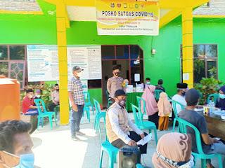 Bhabinkamtibmas Polsek Anggeraja Polres Enrekang Lakukan Pemantauan Pelaksanaan Vaksin Di Desa Binaannya