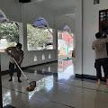 Peringati Maulid Nabi, Polsek Purbalingga Kerja Bakti Bersihkan Masjid