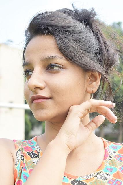लड़की  का  फोटो  wallpaper डाउनलोड