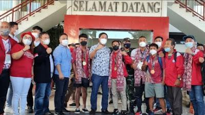 Steven Kandouw Jemput Kedatangan Kontingen Tinju Sulut di PON XX Papua