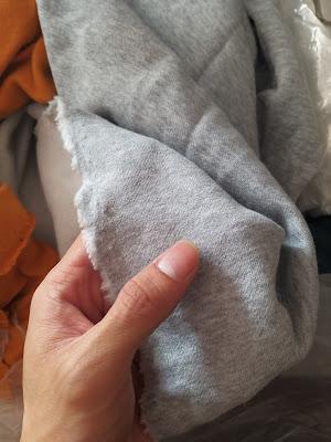 Cần thanh lý lô 300kg Vải Khúc Nỉ 1 da Cottton giá rẻ Cho Xưởng May Áo Khoác tại Đồng Nai