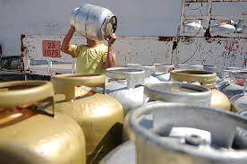 Câmara aprova criação de auxílio-gás para famílias de baixa renda