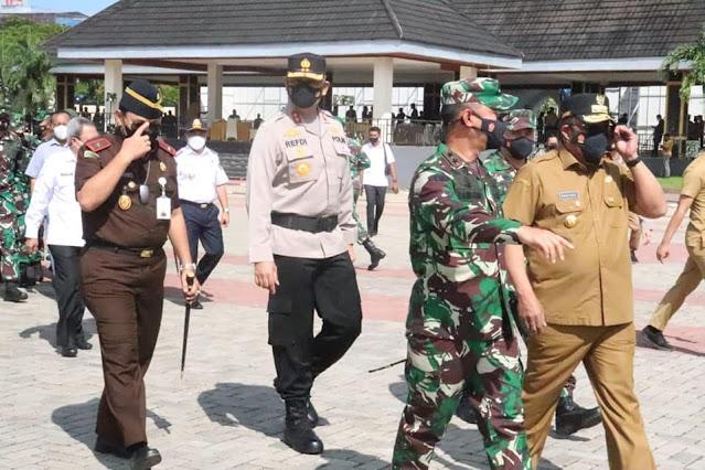 Murad Ismail dan Forkopimda Maluku Jemput Ma'ruf Amin di Bandara Pattimura .lelemuku.com.jpg