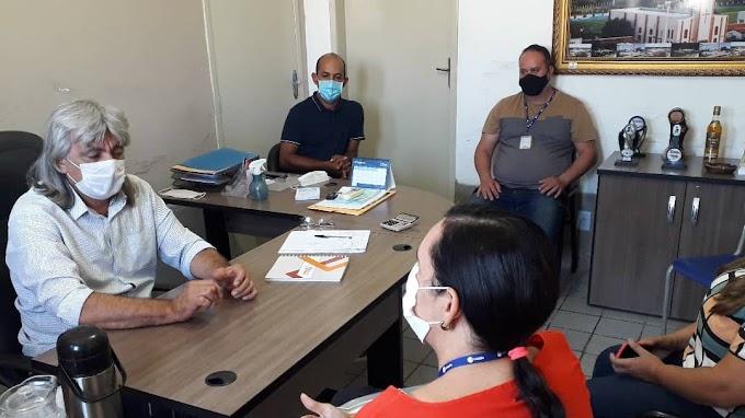 Prefeito Inácio Nóbrega se reúne com equipe da Cagepa para discutir manutenção do esgotamento sanitário e saneamento básico do município
