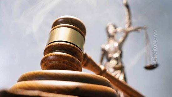 leis limitam idade magistratura invalidas stf