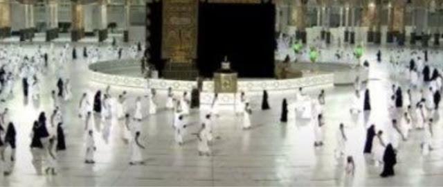 السعودية تستقبل اولى رحلات المعتمرين من الخارج