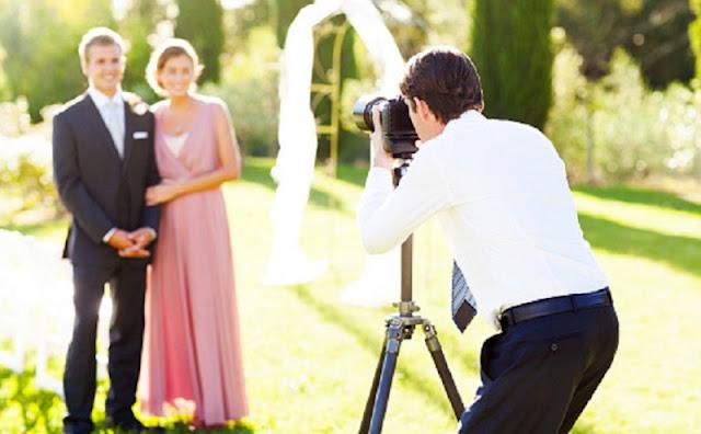 Viral Fotografer Hapus Seluruh Foto Pernikahan di Depan Mempelai, Ini Alasannya (Istockphoto)