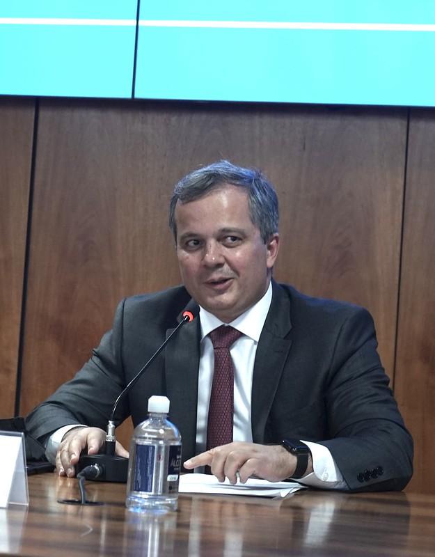 ECONOMIA | Paulo Guedes pode pedir demissão do Ministério da Economia a qualquer momento, André Clemente é cotado para assumir o posto