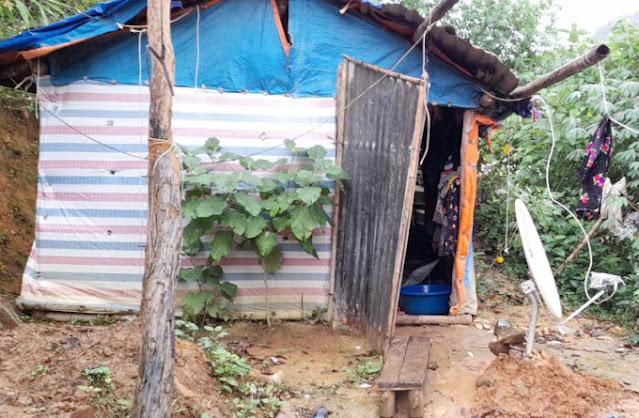 Căn nhà cậu bé Sin Huy Vũ khá đơn sơ.