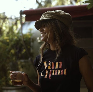 Picture of Halle Berry wearing t-shirt with Van Hunt name written