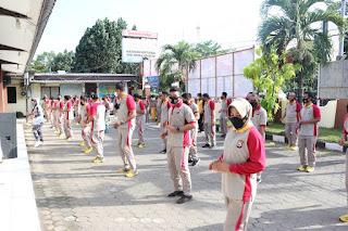 Jaga Imunitas Tubuh, Kapolres Pelabuhan Makassar pimpin Olah Raga Bersama