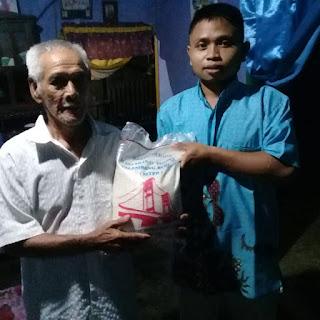 Polres Pali gandeng organisasi IWO berikan bantuan beras ke masyarakat terdampak Covid19