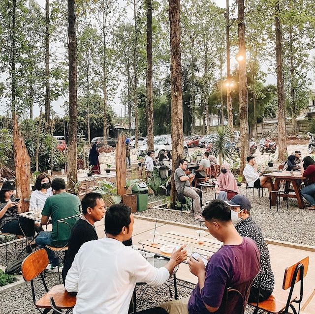 Littlewood Coffee & Nature Gunung Putri Bogor