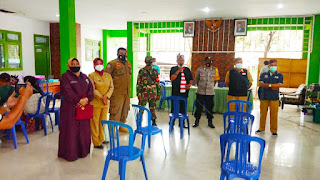 Ratusan Warga Antusias Ikuti Vaksinasi di Desa Puger Kulon