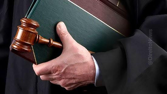 tj aposenta juiz venda sentencas ilegais