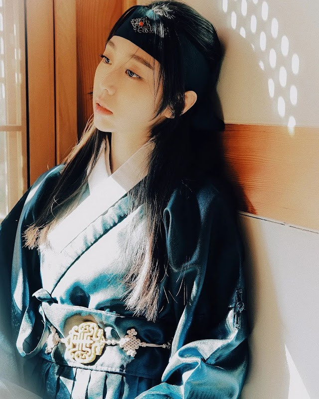 Knetz amazed at LOVELYZ Jisoo's natural beauty with Hanbok on her Instagram Update!