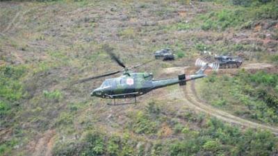 Danpuslatpur Kodiklat TNI AD Tinjau Latihan Drill Tempur YTP R-100 PS via Udara