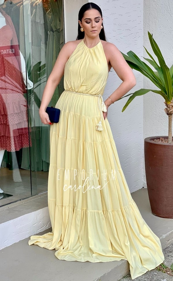 vestido longo amarelo fluido para madrinha de casamento