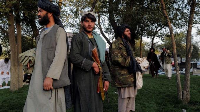 Öngyilkos merénylők előtt tisztelgett a tálib belügyminiszter