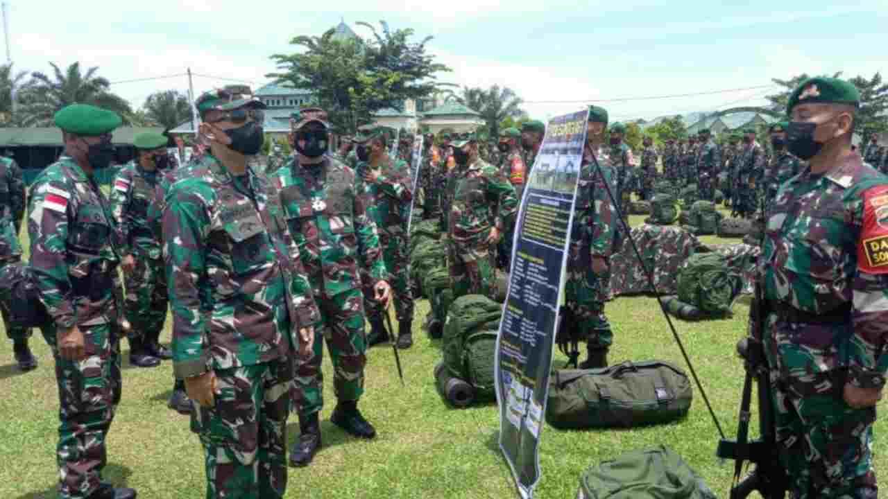Kasdam I/BB Brigjen TNI Purwito Hadi Periksa Kesiapan Operasi Yonif 126/KC Untuk Pamtas RI-PNG