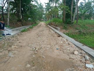 Camat dan Pendamping Teknis Kecamatan Memilih Bungkam terkait Pembangunan TPT dan Drainase Desa Batu Agung Yang Diduga Mark Up