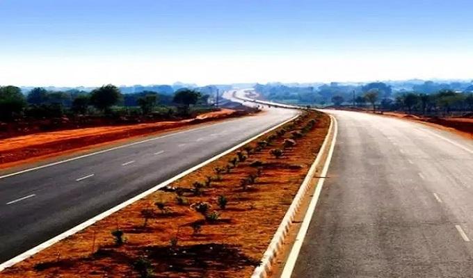 चंदौली जिले में कागजों में ही बना दी 4 सड़कें, कार्यदायी संस्था हजम कर गई 74 लाख