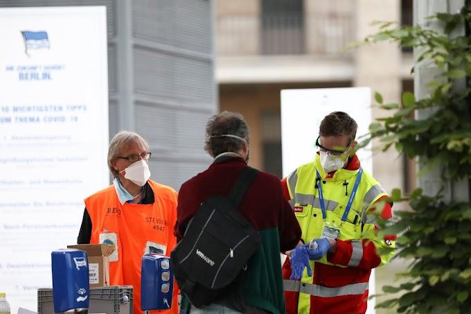 Hertha Berlin vai exigir que jogadores não vacinados paguem seus testes de Covid-19