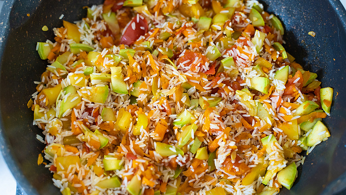 Curry rice: a step by step recipe step 3