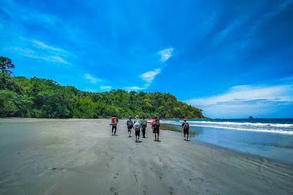 Pantai Nanggelan Jember, Wisata Alam Eksotis yang Menantang