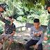 Cegah Covid-19, Anggota Satgas Yonif 144/JY Berbagi Masker Gratis di Perbatasan