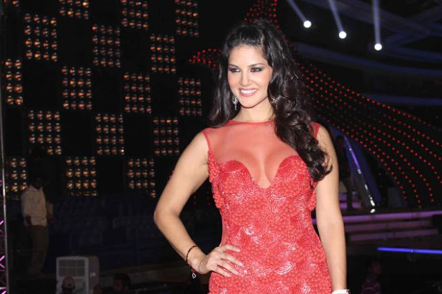 Bollywood Actress Sunny Leone Latest Hot Stills Navel Queens