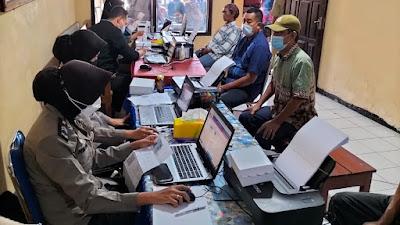 Ringankan Beban PKL dan Pemilik Warung, Polres Nganjuk Salurkan BPKLW