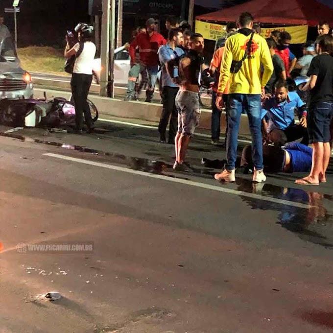 Acidente entre carro e moto em Crato deixou mulher gravemente ferida