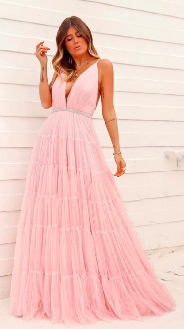 vestido longo rose para madrinha de casamento na praia