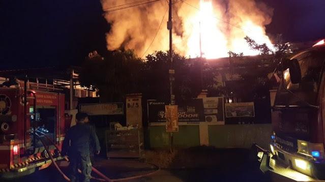 Gudang Kimia Terbakar, Kerugian Capai Rp1,5 Milyar