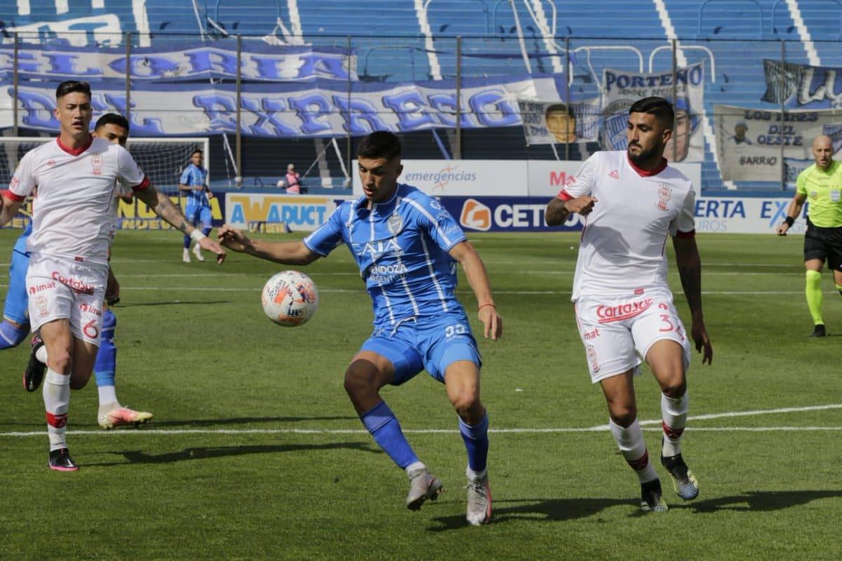 Godoy Cruz y Huracán igualan en un juego con mucho ambiente