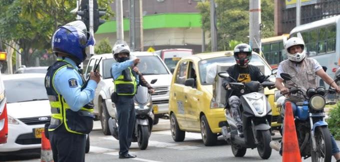 Este martes comenzará la fase sancionatoria del pico y placa para motocicletas en Medellín: Todo lo que debe saber