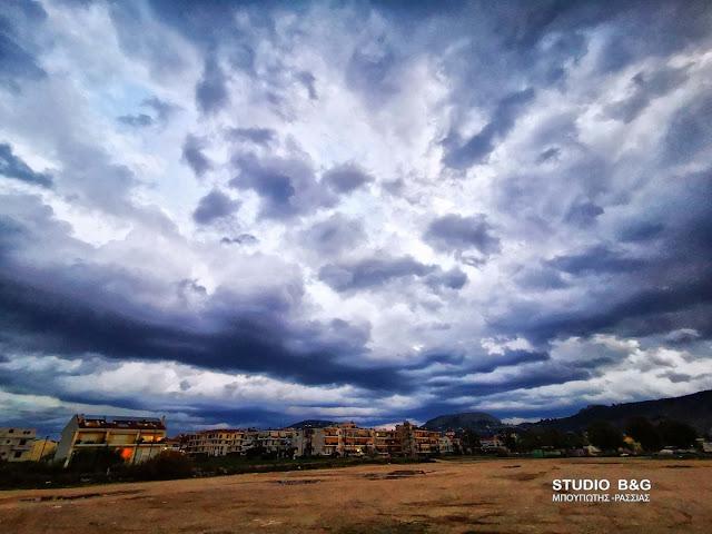 """Κακοκαιρία ¨Μπάλλος"""": Ισχυρές βροχές, θυελλώδεις άνεμοι και πτώση θερμοκρασίας"""