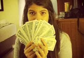 Rosinés llegó a Venezuela a buscar dólares porque se los gastó todos en Francia