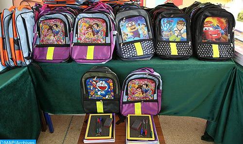 المجلس العلمي المحلي لإقليم شيشاوة ينظم عملية لتوزيع محافظ مدرسية على أسر معوزة بمناسبة الدخول المدرسي 2021 – 2022