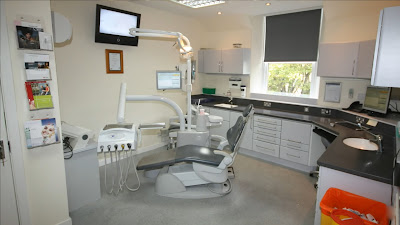 dentists work in a clean hygienic environment