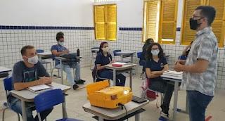Governo libera aulas presenciais com 100% dos alunos nas escolas públicas e privadas do RN