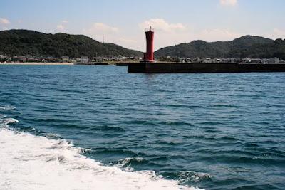 加太漁港の赤灯台