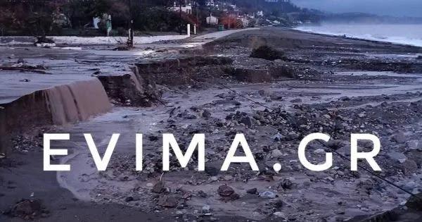 Πρώτα οι φωτιές τώρα οι βροχές: Βιβλική καταστροφή στην Εύβοια - Δήμαρχος Μαντουδίου: «Δεν έχει μείνει τίποτα όρθιο»