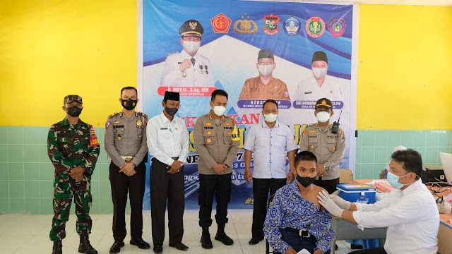 Kapolres Tanjung Balai Tinjau Vaksinasi Covid 19 di SMP 7 Kota Tanjung Balai