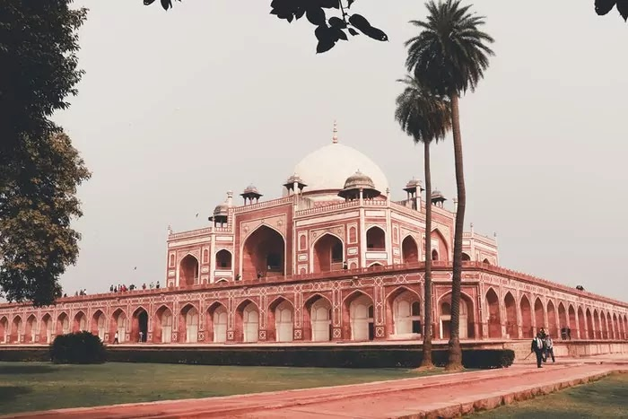 Humayu Tomb, Delhi   Best Places to Visit in India