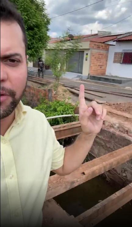 Prefeito Deibson Balé acompanha construção de primeira ponte de concreto do Residencial Iris