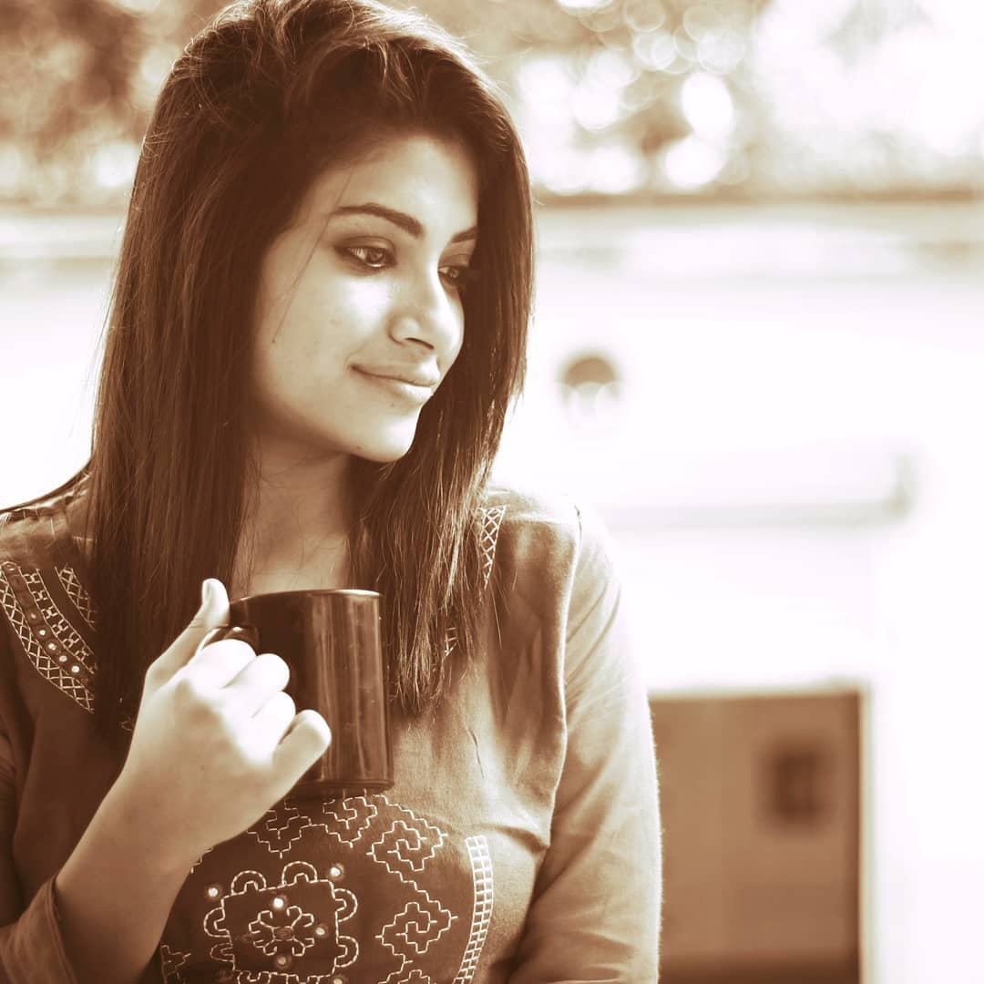 Instagram model Priyanka images photos download free