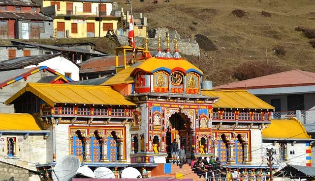 Badrinath Temple, Uttrakhand   Best Places to Visit in India